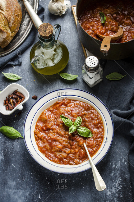 Tuscan bread and tomato soup ( Pappa al pomodoro)