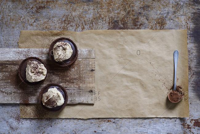 Espresso tarts with cappucino cream