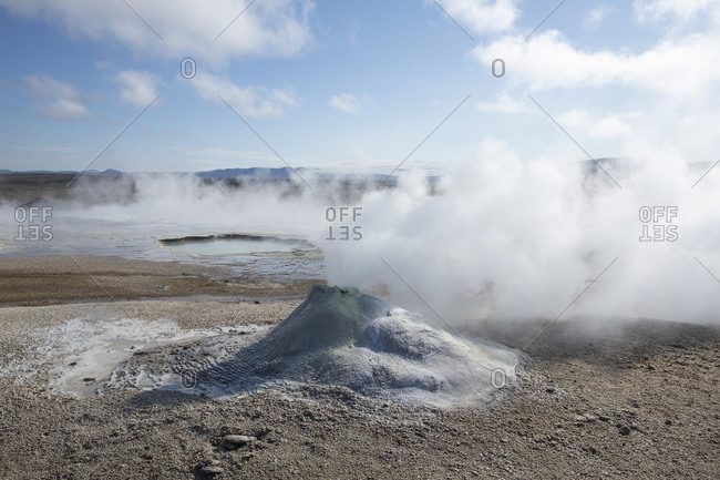 Geothermal pool in the Icelandic highlands