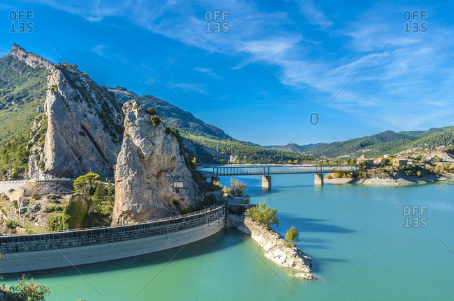 Spain,  Aragon,  Pointe Casterella (1183m) and Pena irrigation dam lake on the Rio Gallego