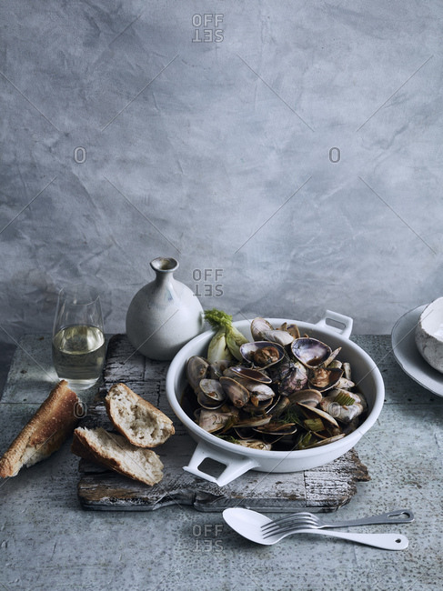 Bowl of clams and bread
