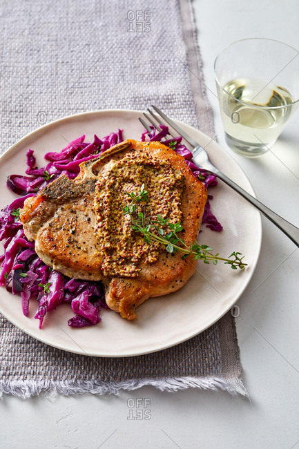 Pork chops and red cabbage