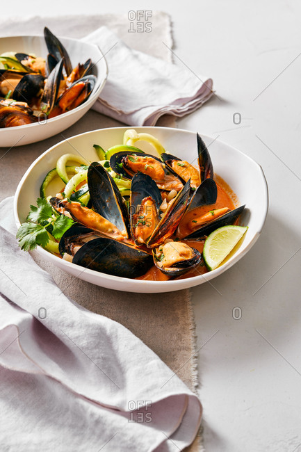 Mussels and zucchini noodles