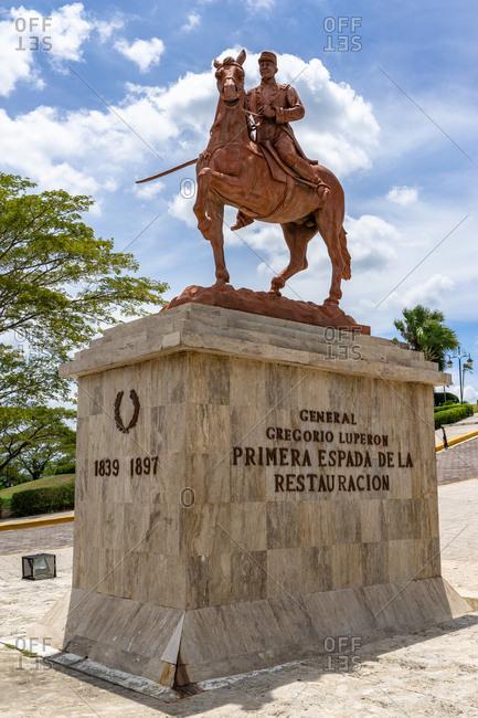 Caribbean, Greater Antilles, Dominican Republic, Santiago, statue of General Gregorio Luperon below the Monumento a los Heroes de la Restauracion