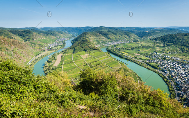 Moselle loop near Bremm, left Ediger-Eller, right Neef. Calmont region, with hiking trails, via ferrata and lots of vineyards