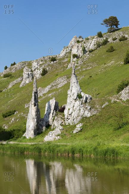 Steinerne Jungfrauen rock formation, Eselsburger Tal Valley, Herbrechtingen, Swabian Jura, Baden-Wurttemberg, Germany, Europe