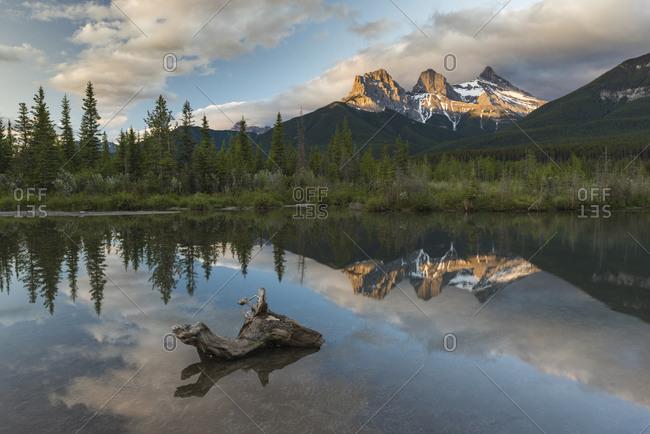 Three Sisters sunrise at Policeman Creek, Canmore, Alberta, Canadian Rockies, Canada, North America