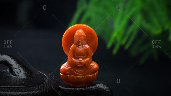 Quan Yin jade pendant features