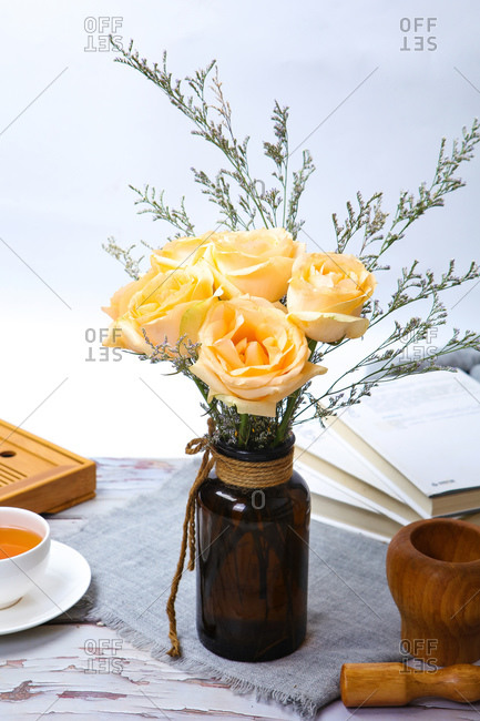 Yellow roses close-up shot - Offset