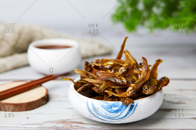A small amount of dried fish