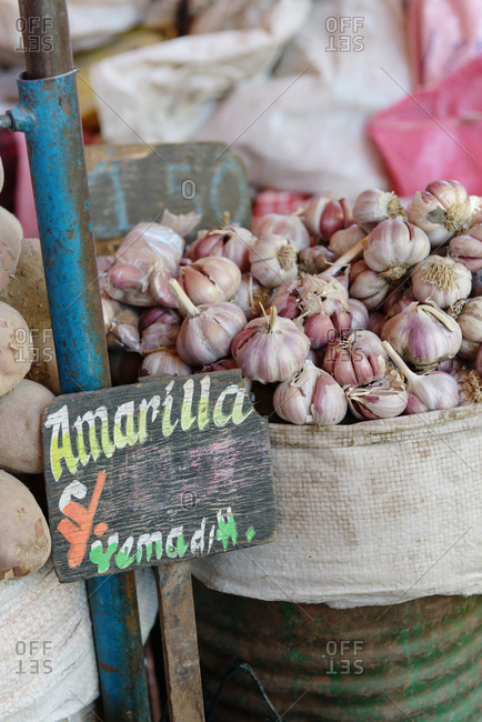 Fresh garlic on market stall, Arequipa, Peru, South America