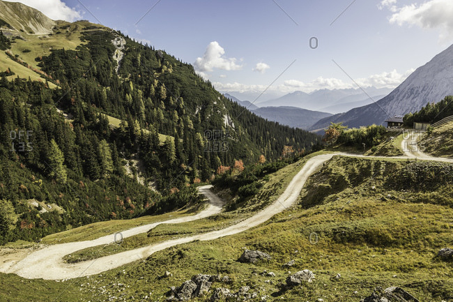 Winding path, Mount Hochwanner, Wetterstein Mountains, Bavaria