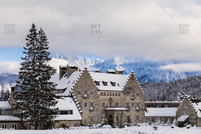 Hotel Kranzbach Castle (English Country House in the Arts and Crafts Style) against, Klais, Upper Bavaria, Bavaria, Germany