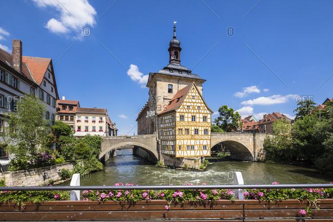 Bridge called Geyerwoerthsteg on the Regnitz River with Old Townhall, Bamberg, Upper Franconia, Bavaria, Germany
