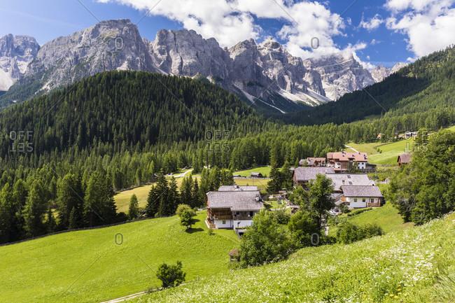 Valle di Mulini (Mulenga) and the Puez Mountain Group, Campill, Longiaru Valley, Val Badia, Bolzano district, South Tyrol, Alto Adige, Dolomites, Trentino-Alto Adige, Italy