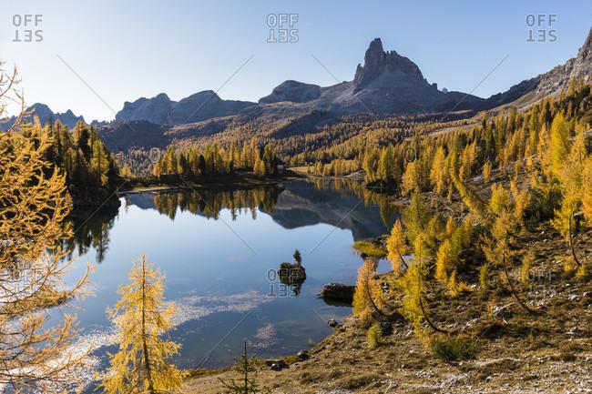 Lago di Federa Lake and Becco di Mezzodi Mountain (2603m), Cadore, Dolomites, Belluno District, Veneto, Italy   Italy