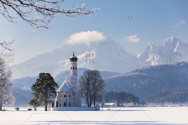 Pilgrimage Church St. Coloman in a winter landscape, Schwangau, Schwabia, Bavaria, Germany