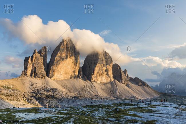 Tre Cime di Lavaredo, Drei Zinnen, (2999m), sunset, Dolomiti di Sesto Natural Park, Alta Pusteria, Bolzano district, South Tyrol, Alps, Dolomites, Trentino-Alto Adige, Italy