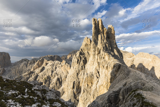 Vajolet towers (2821m) in the Catinaccio (Rosengarten), Vigo di Fassa, Val di Fassa, Schlern-Rosengarten Nature Park, Alps, Dolomites, Trentino, Alto Adige, South Tyrol, Italy