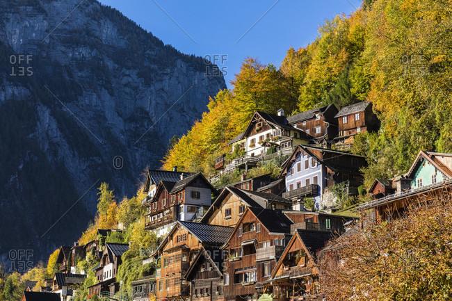 Town of Hallstatt on Lake Hallstatt in autumn, UNESCO World Heritage Site, Salzkammergut, Upper Austria, Austria