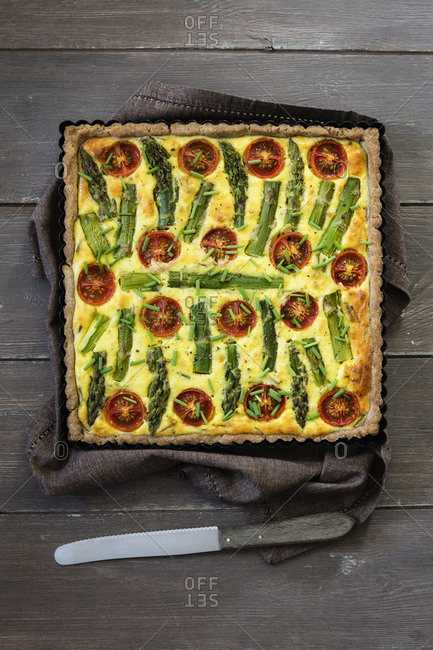 Gluten free vegetarian buckwheat quiche with tomatoes- asparagus and chive