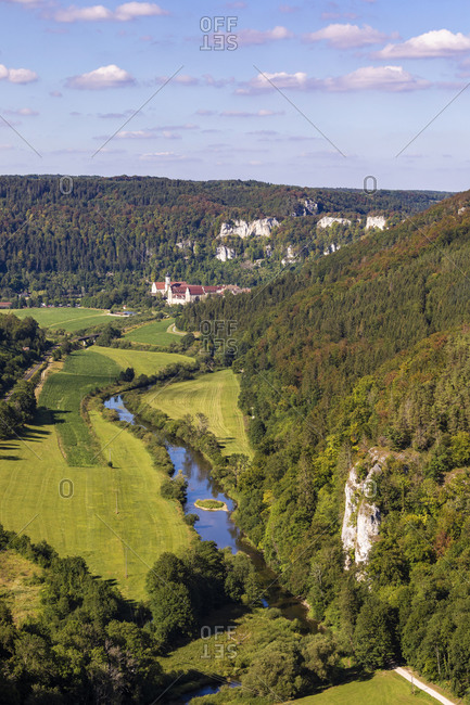 Germany- Baden-Wurttemberg- Beuron- Danube river flowing towards Beuron Archabbey seen from Knopfmacherfelsen