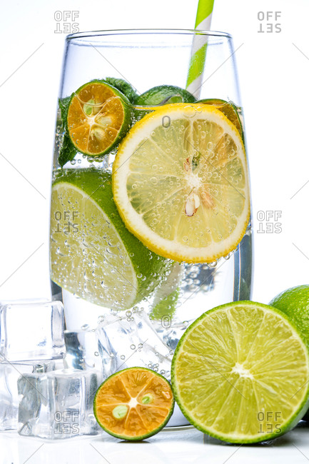 Refreshing glass of sparkling water with lemon