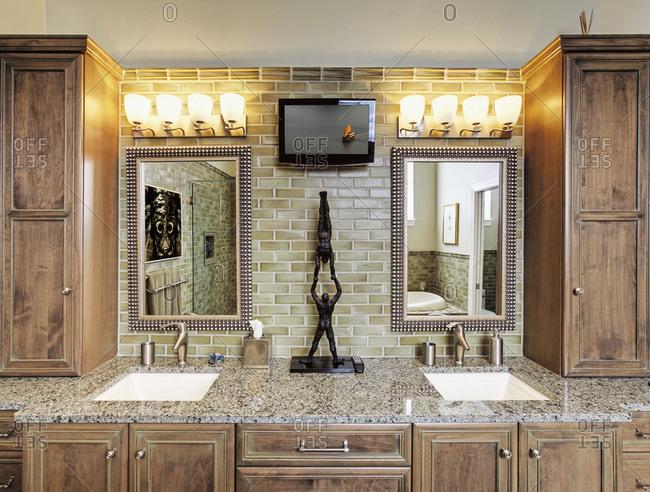 St Petersburg, Florida, United States - September 22, 2020: Bathroom Counter With Vanity Lighting