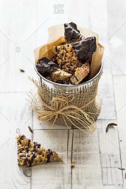 Nut corners, chopped almonds, gluten-free