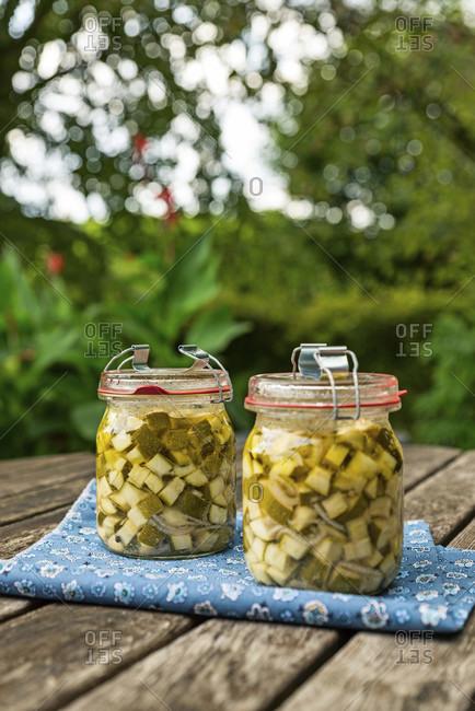 Zucchini delicacy, recovery, boil down, mason jar
