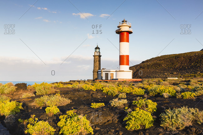 Old and new lighthouse at punta de fuencaliente