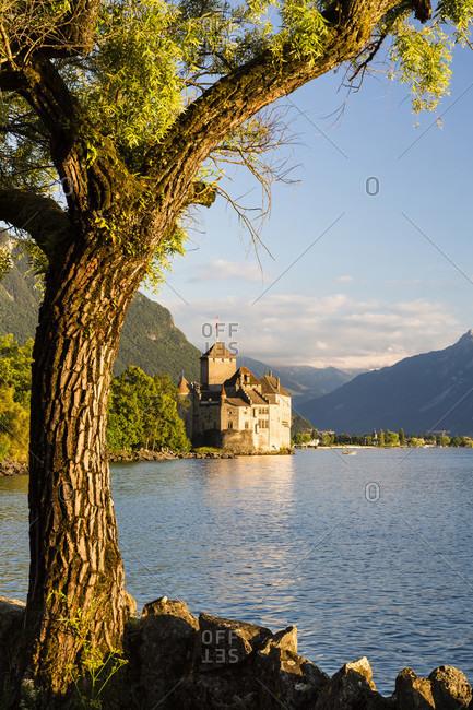 Chateau chillon on lake geneva, sunset