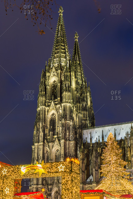 November 25, 2015: Illuminated christmas market on the roncalli square by the cologne church (dom), dusk