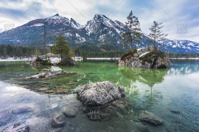 Hintersee lake, hintersee, gemeinde ramsau im berchtesgadener land, bavaria, germany