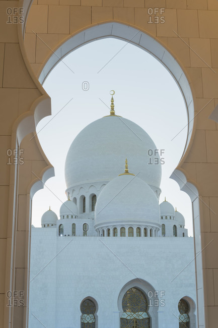 January 18, 2020: Sheikh zayed grand mosque, abu dhabi, united arab emirates