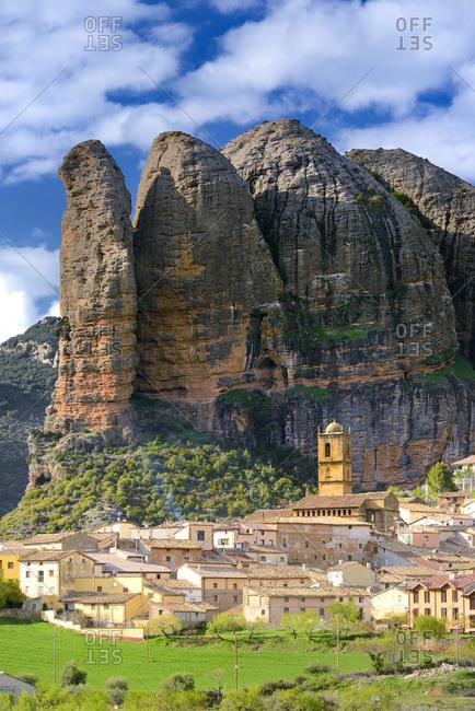Aguero village with the Mallos de Aguero rock formation