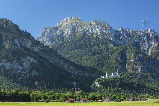 Neuschwanstein Castle and Lechtaler Alps, Schwangau, Allgau, Schwaben, Bavaria, Germany, Europe