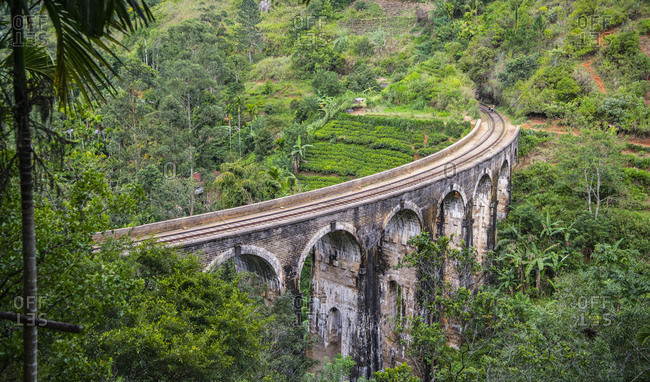 The iconic Nine Arch Bridge in Ella / Sri Lanka