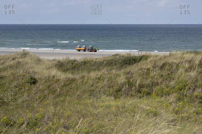 Germany, Lower Saxony, East Frisia, Juist, garbage disposal on the beach.