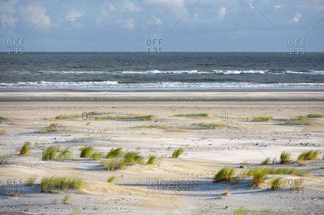 Germany, Lower Saxony, East Frisia, Juist, view from the dunes to the beach.