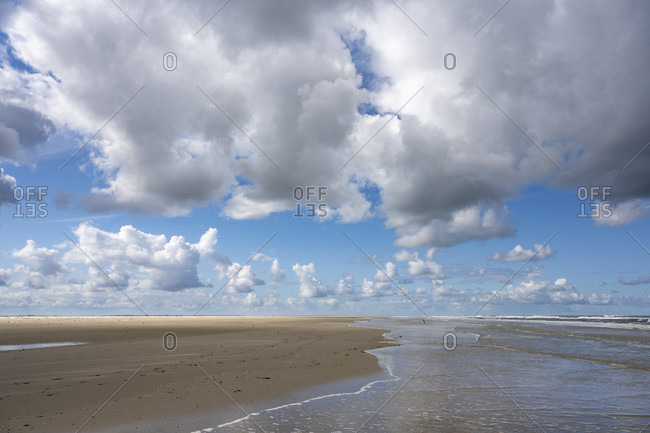 Germany, Lower Saxony, East Frisia, Juist, landscape and waves on the Juister reef.