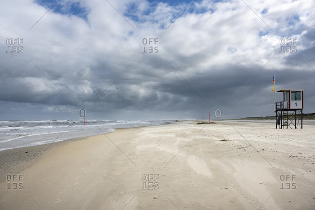 Germany, Lower Saxony, East Frisia, Juist, stormy North Sea.