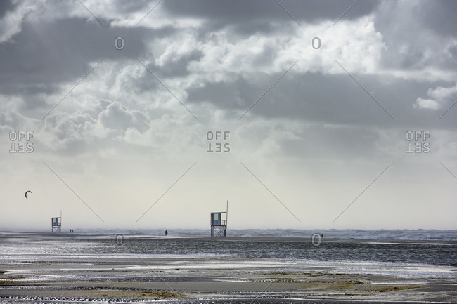 Germany, Lower Saxony, East Frisia, Juist, on the beach in stormy weather.