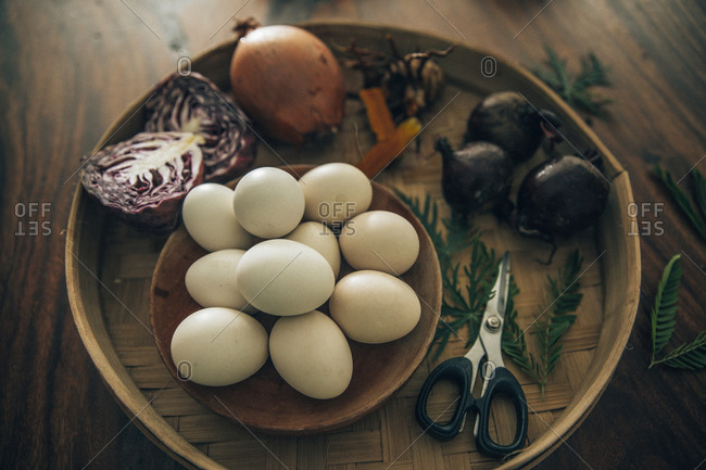 Preparation of organically coloredEaster eggs