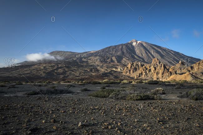 Los roques de garcia and picot del teide (3718 m) in the caldera de las canadas, el teide national park, unesco world heritage, tenerife, canary islands, Spain