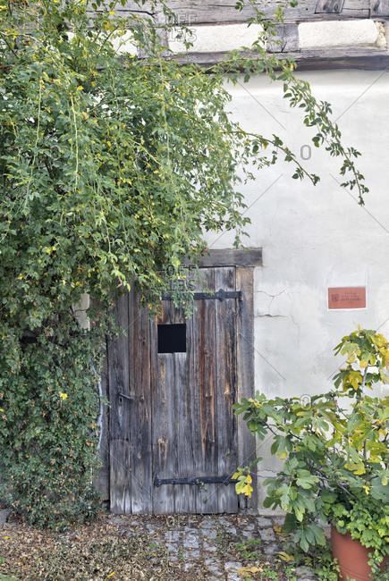 House facade, wooden door, entrance, idyll, blaubeuren, alb-donau district, swabian jura, Baden-Wurttemberg, Germany