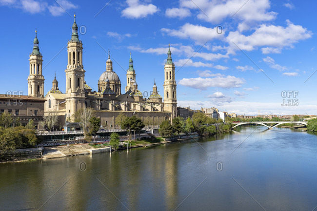 Europe, spain, aragon, zaragoza, catedral-basílica de nuestra senora del pilar on the ebro