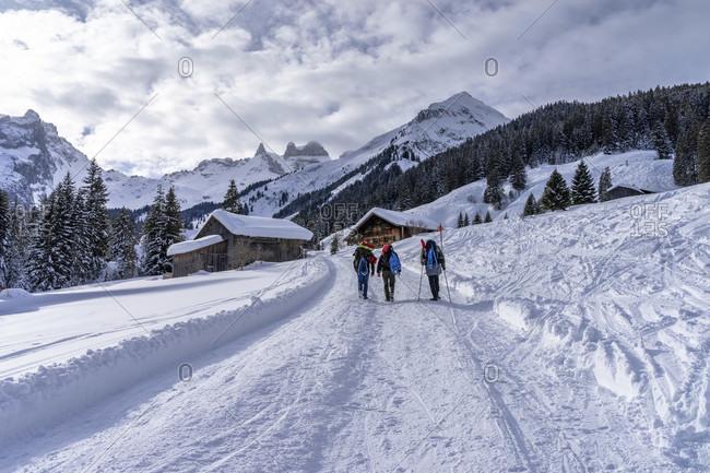 Europe, austria, vorarlberg, montafon, rätikon, gauertal, hikers on the climb to lindauer hutte