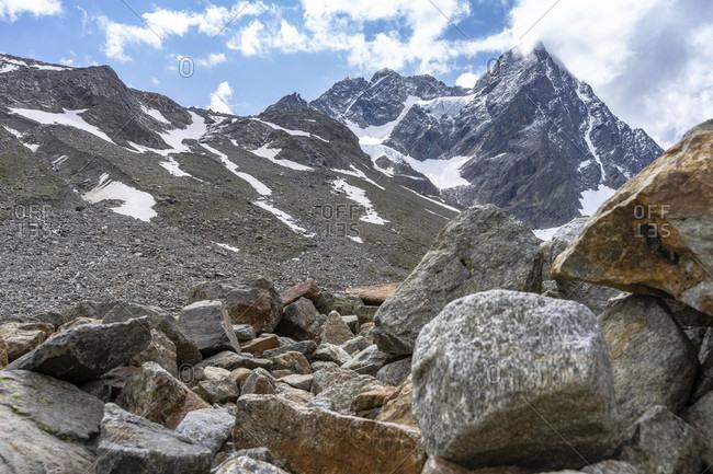 Europe, austria, tyrol, otztal alps, pitztal, plangeross, view over the rubble field to the imposing watzespitze in the kaunergrat