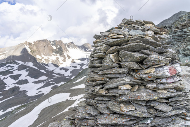 Europe, austria, tyrol, east tyrol, kals am großglockner, steinmännchen on the durrenfeldscharte